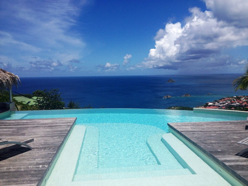 View over the infinity pool at Blue Swan Villa in St Barts