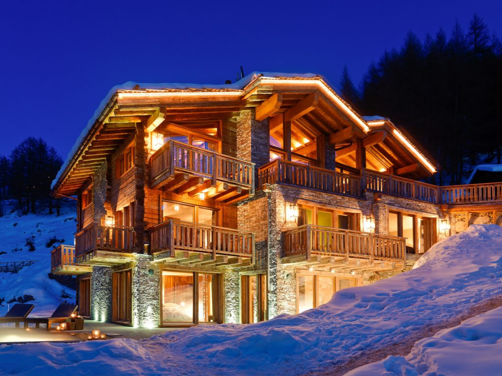 One of the nicest Chalets in Zermatt - Les Anges glows prettily in the dusk