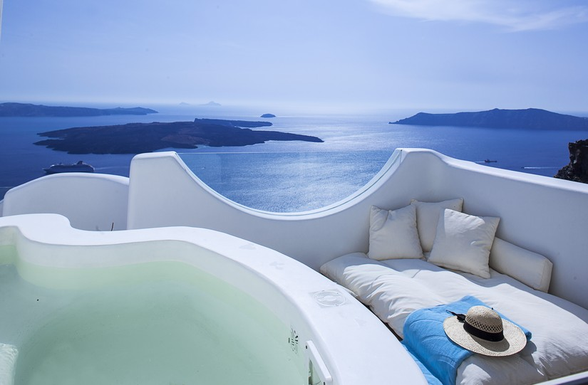 Rooftop Jacuzzi and secluded nook at Native Eco villa in Santorini