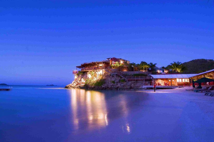 Villa Rockstar, Night View