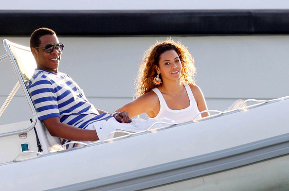 Jay-Z and Beyonce chilling out on a yacht in St Barts