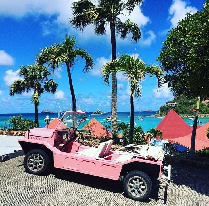 A pink open topped jeep in st barts looks very much like it's awaiting Lady Penelope from the Thunderbirds
