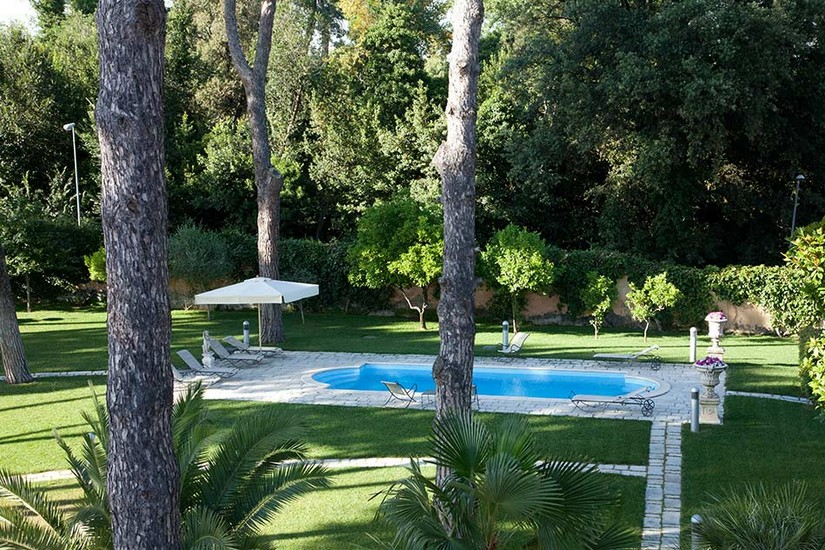 View of the pool at Villa Nocetta in Rome