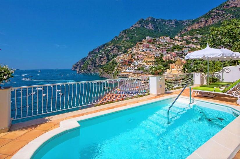 Kizette villa near the Amalfi Coast over-looking Positano