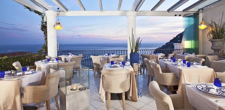 The outdoor dining area at Next 2 in Positano on the Amalfi coast