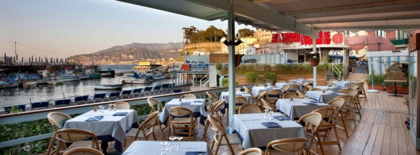 Soul and Fish, modern space, overlooking the beautiful Sorrento marina and pier
