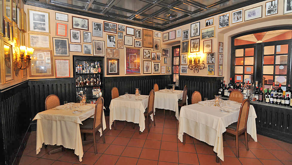 Ristorante Museo Caruso is an authentic Italian restaurant where the walls are lined with photographs and memorabilia of Caruso, one of the most influential and popular Italian opera singers of the 20th century