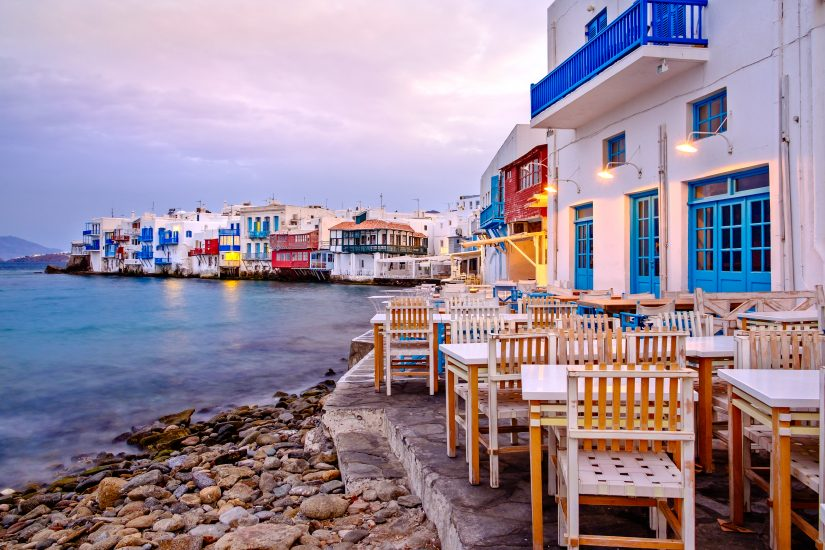 One of the 10 Things to do in Mykonos should include having a delicious evening meal at this beautiful seafront cafe.