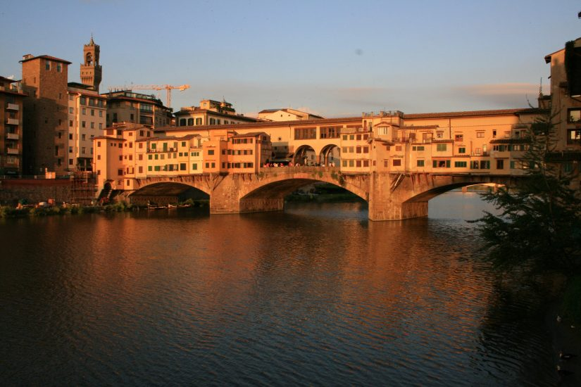 The Best Florence Walking Tour takes you to the Ponte Vecchio. Which is a bridge.