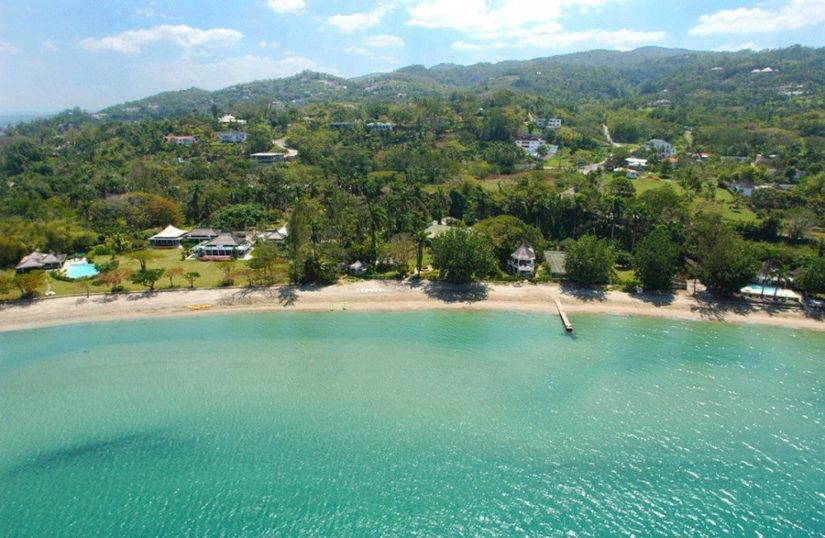 Look out over the alluring crystallized waters of Montego Bay. This perfect setting is an ideal place for you to spend a day out on a boat and is one of the best things to do in Jamaica.