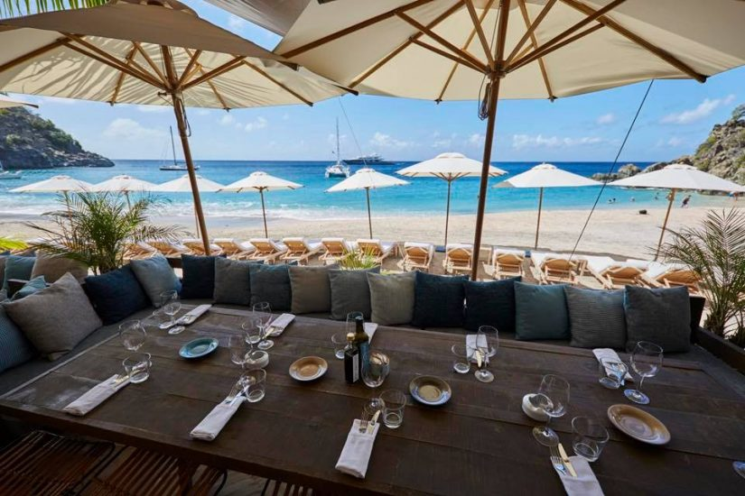 A wonderful Mediterranean inspired menus prepared by the fantastic Greek chef, Yiannis Kioroglou, delicious cocktails and loungers. It is such attributes that make this place one of the best things to do in st barths