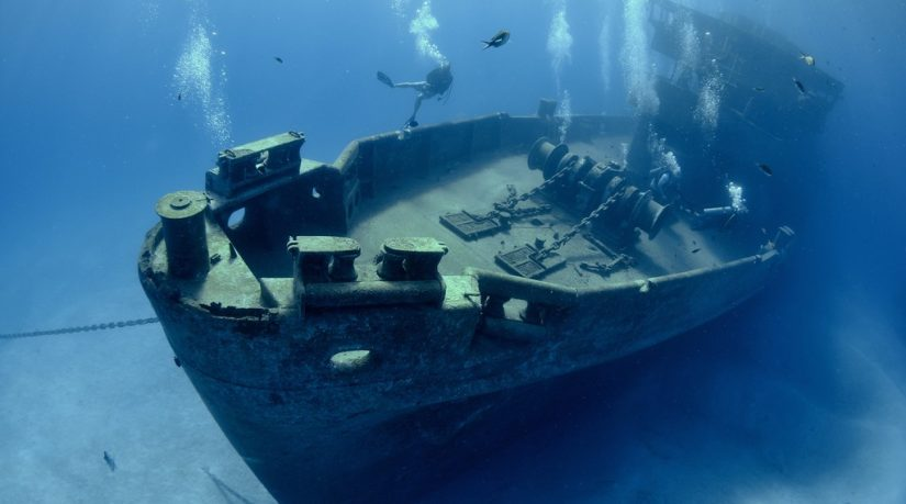 Grand Cayman's Kittiwake Shipwreck - Delve into the waters to experience this incredible shipwreck