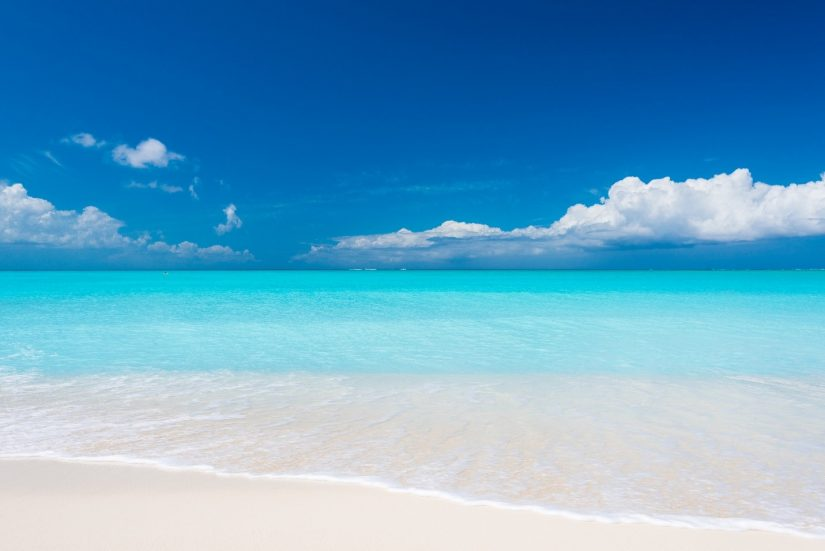 The best Beachfront Caribbean villas are waiting for you to book your stay now.