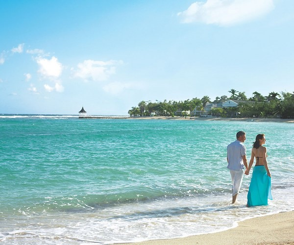 Offering luxurious half moon beaches, this northern setting is the perfect place to enjoy the Jamaican lifestyle