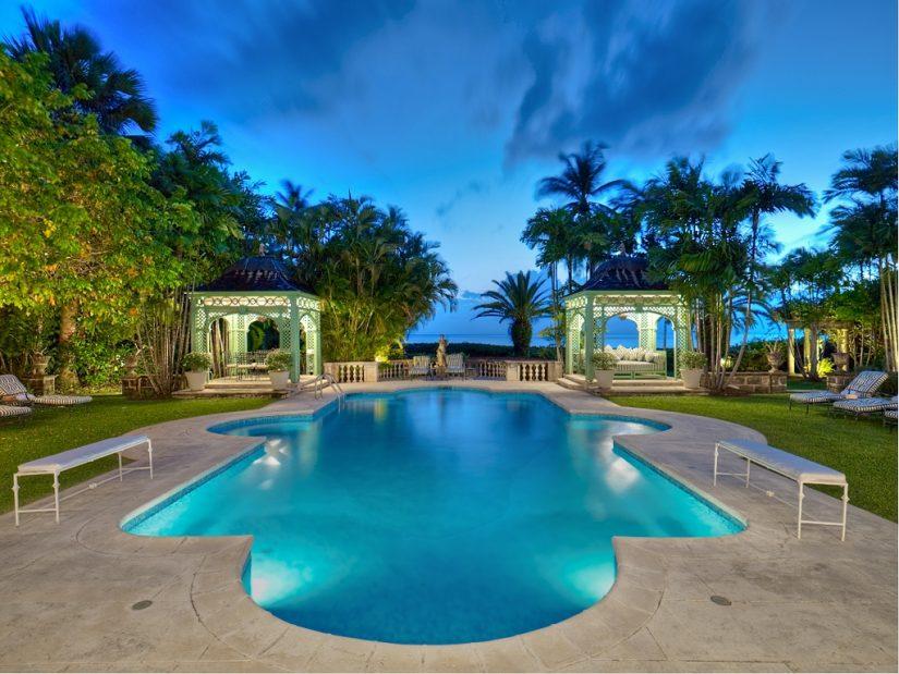 The huge pool at leamington pavillion