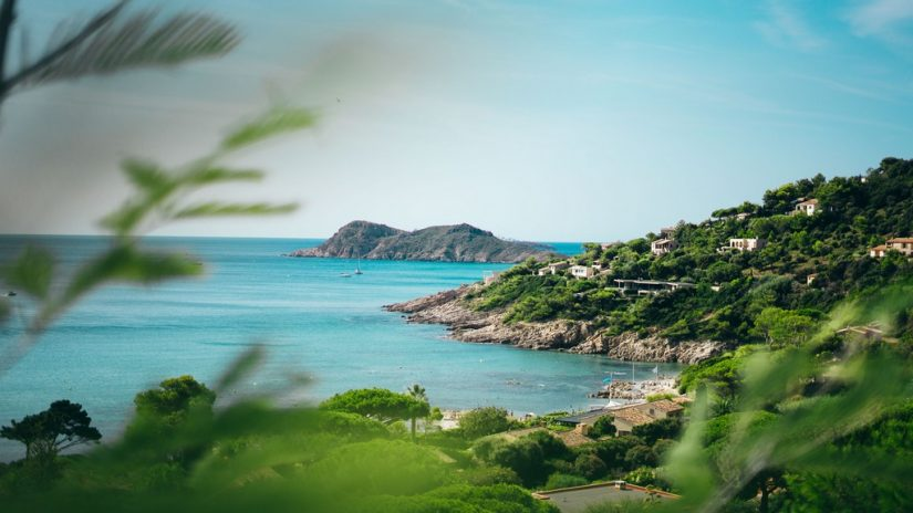 St Bart's can provide you and your loved ones with many last minute Caribbean vacations