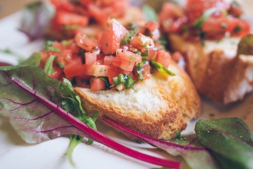 Sorrento restaurants offer the finest brochetta, fresh tomatoes and basil gorgeous