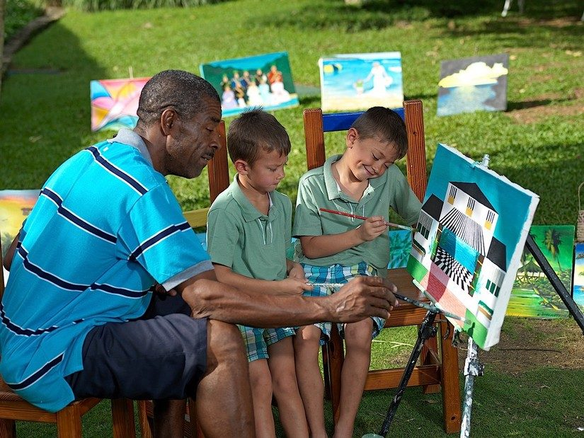 kids painting at round hill
