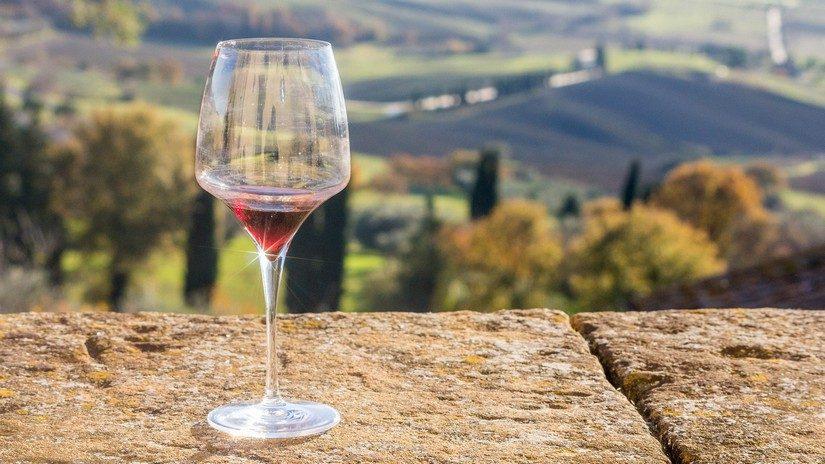 local wines served in Amalfi Coast restaurants
