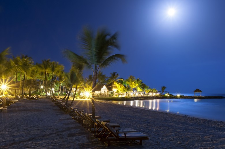 The Caleton Beach Club at Night