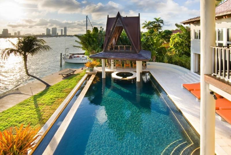 Sunken Bar and Pagoda at Villa Chiang in Miami