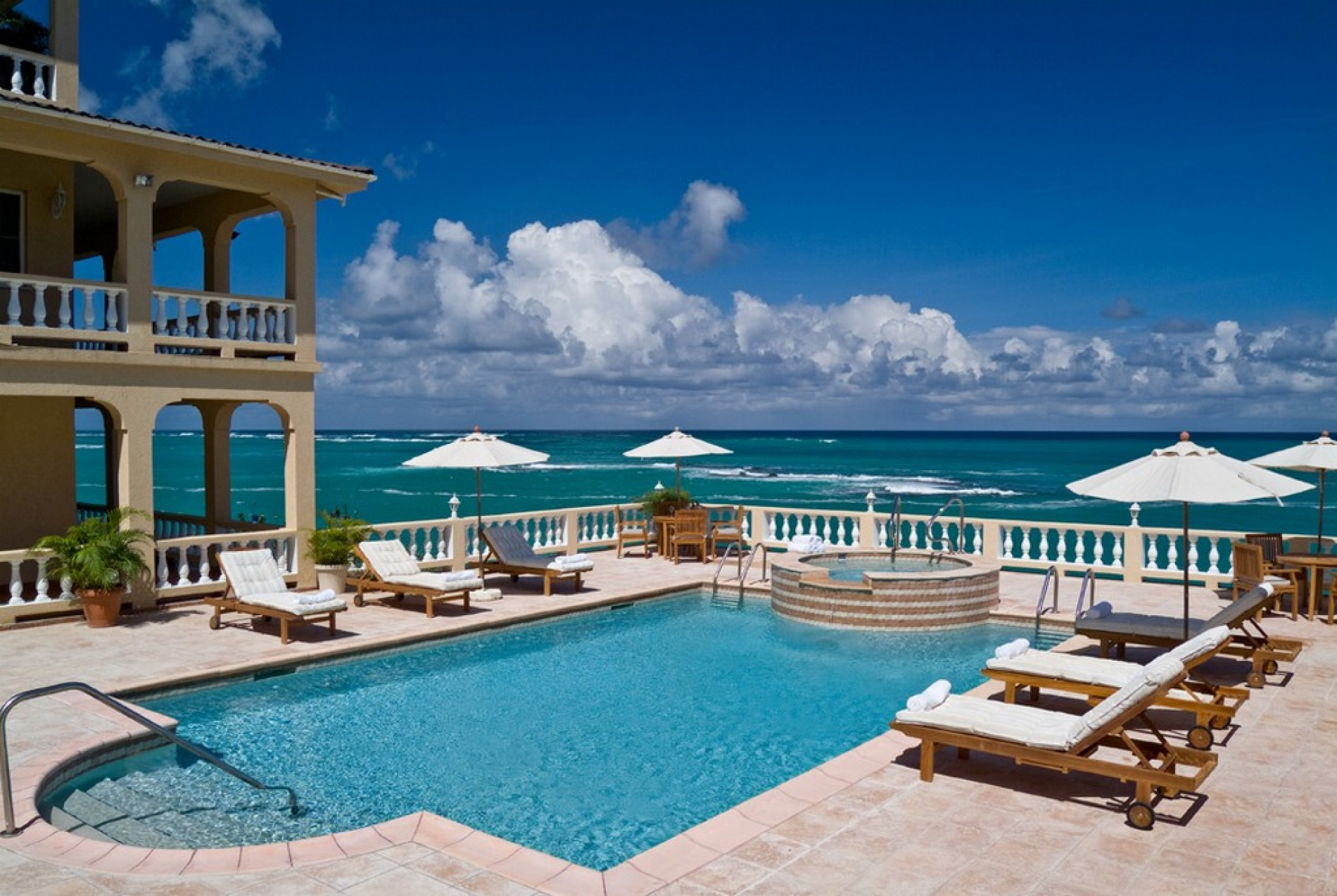 Ultimacy luxury ocean front 8 bedrooms for Pool show rosehill