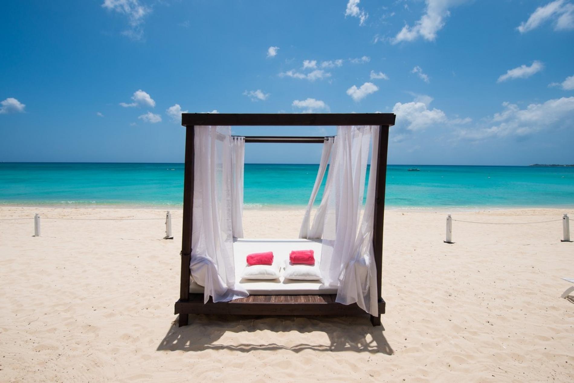 Coral Reef Cayman Islands Exceptional Villas