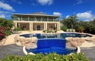 Villa Bananaquit-luxury swimming pool