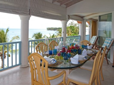 Villas on The Beach 403 - Luxury Beach Front Penthouse Apartment - Ocean Views