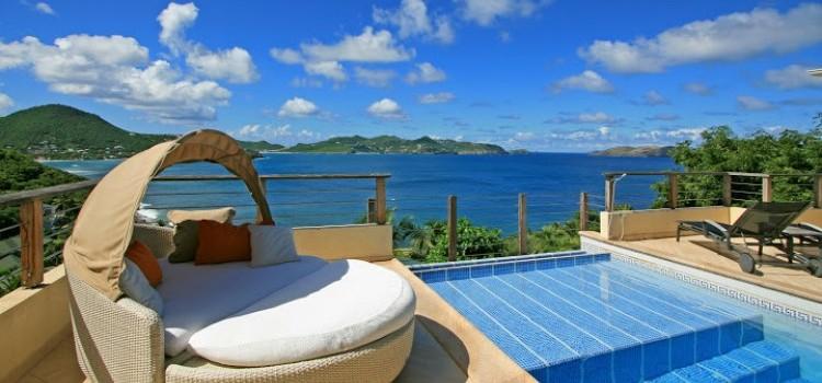 C'est La Vue - Luxury Villa Rental - Lounger by Pool