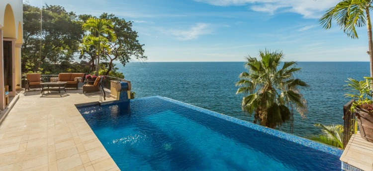 Villa Luna Creciente 6 Bedrooms Ocean Views