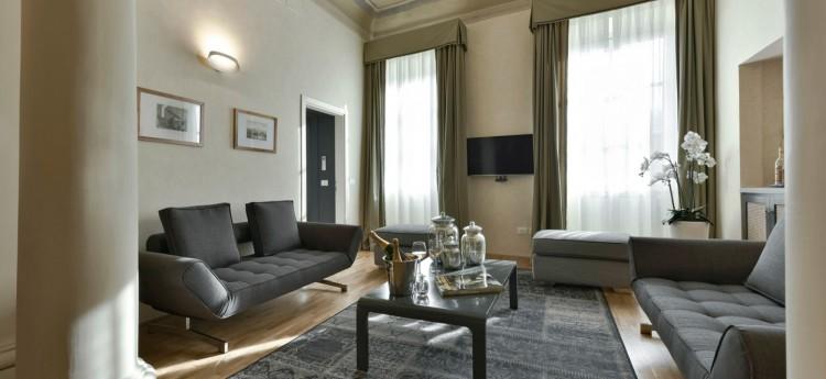Scudo-Florence-4 Bedroom- Luxurious Villa