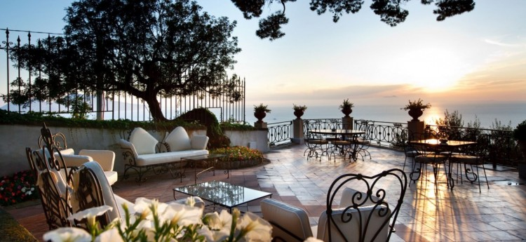 Terrace-Luxurious-Villa-Italy