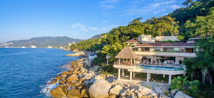 Villa Kismet, a 3 floor property on the cliff-side right on the sea.
