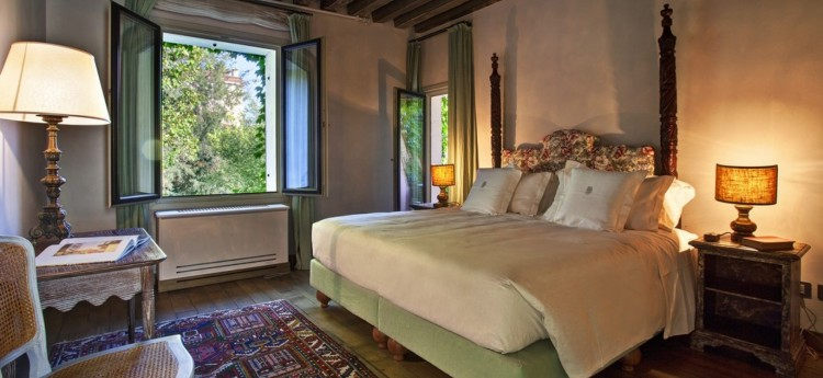 Corallo Luxury Apartment in Venice Italy - Master bedroom