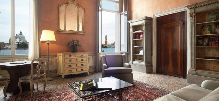 Perla 2 bedroom apartment in Venice- Views of St Marks Basin