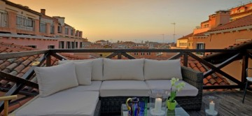 Canella-3-Bedroom-Apartment-Canova-Venice-Italy