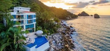 Puerto Vallarta luxury villa with infinity pool and ocean vi