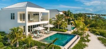 Miami Vice Two is a Luxury 2 bedroom Beachfront Villa