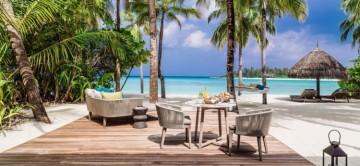 beach-villa-maldives-reethi-rah-resort-exceptional-villas-4.jpg