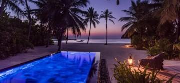 beach-villa-with-pool-maldives-reethi-rah-resort-exceptional-villas-1.jpg