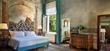 Large master suite at Zaffiro Apartment in Venice