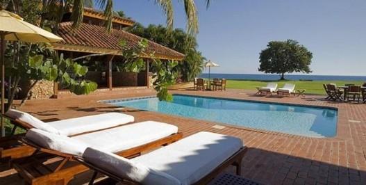 Villa Sea Breeze - 4 Bedrooms - Ocean Front