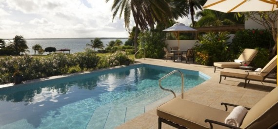 Whispering Palms - Beach Front - 4 Bedrooms