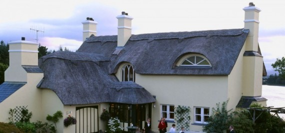 Little Hay Cottage - Thatched Villa - 2 Bedrooms